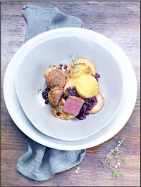 Venison Medallions with Sautéed Apple Slices and Wild Blueberry Sauce Picture